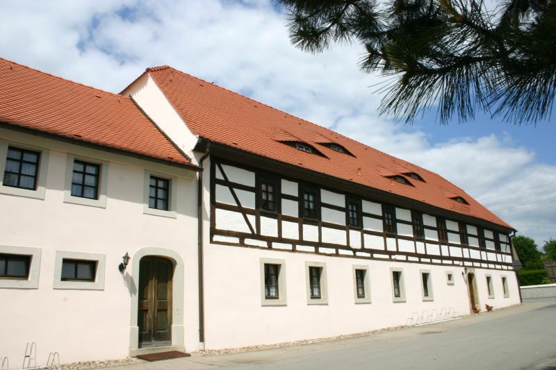 Das Foto zeigt das Gemeindehaus in Beiersdorf